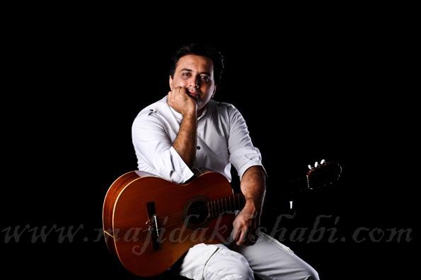 سایت رسمی مجید اخشابی www.majidakhshabi.com مجید اخشابی عکس و پوستر مجید اخشابی majidakhshabi ax poster ، مجید اخشابی، بیستم تیر 90