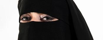 مردی سعودی، به دلیل کتک خوردن از همسرش در بیمارستان بستری شد Beaten by wife, husband lies in Saudi hospital